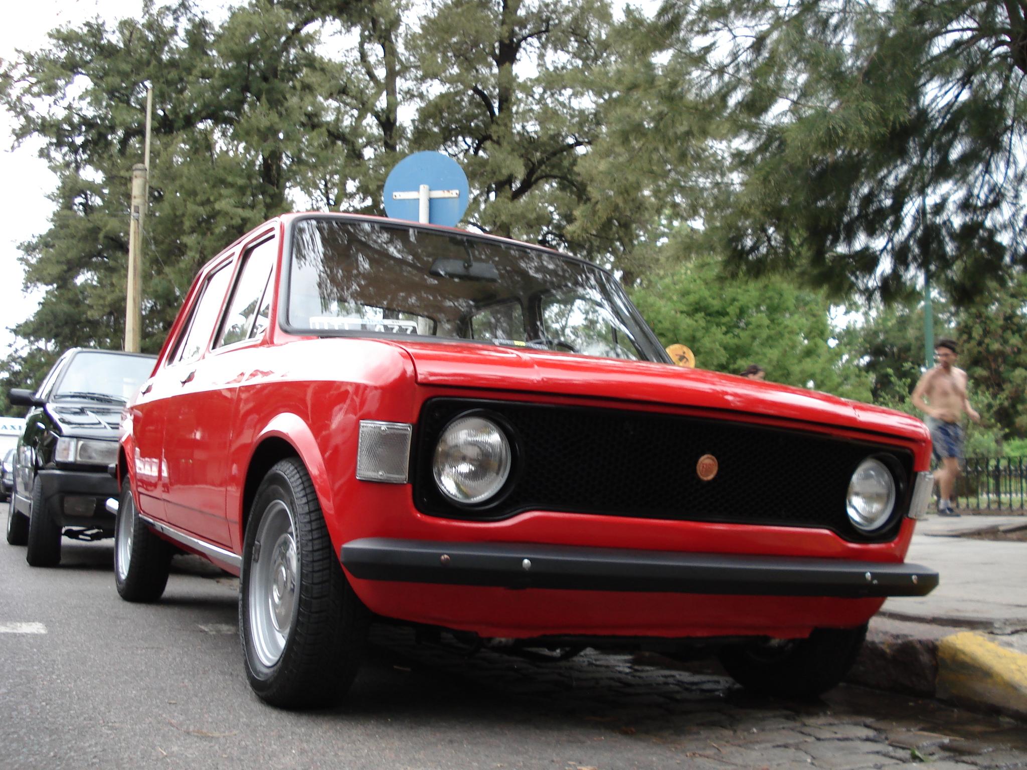Restauración de un Fiat 128... Groso!
